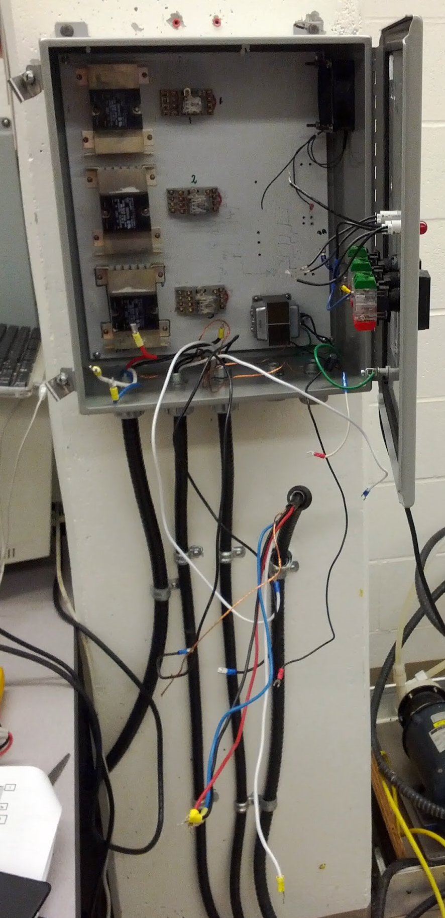 Wiring box for the biodiesel reactor